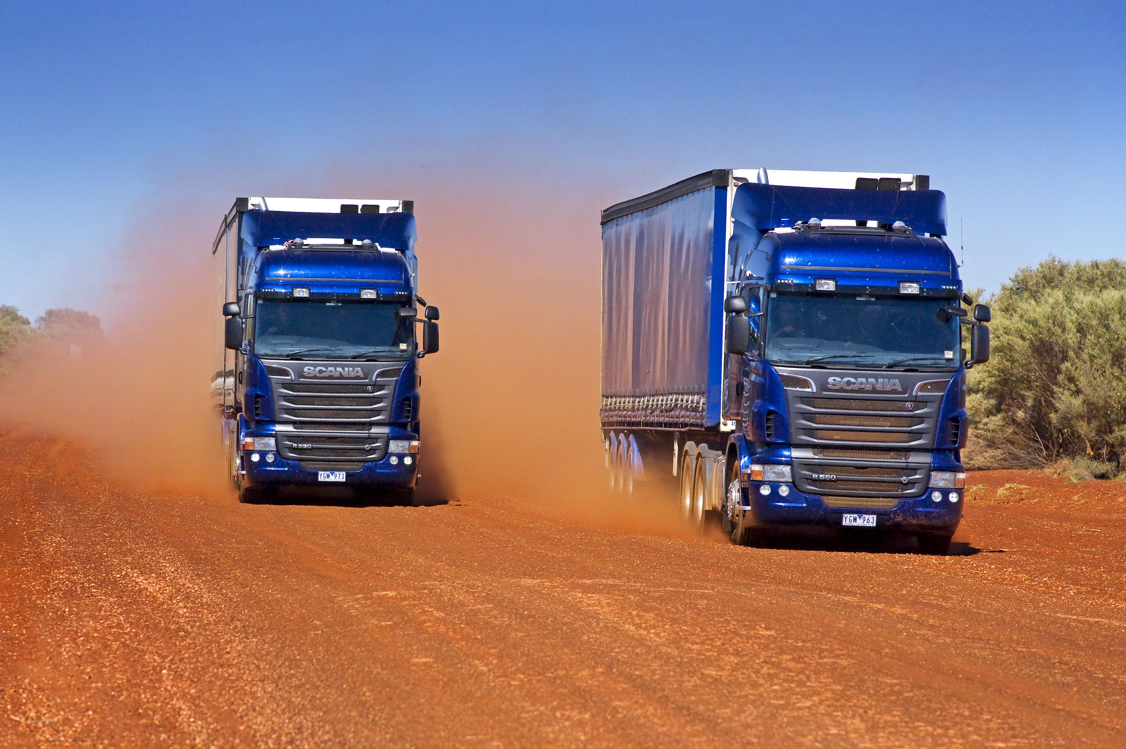 Scania-Trucks-R520-R560-Dust