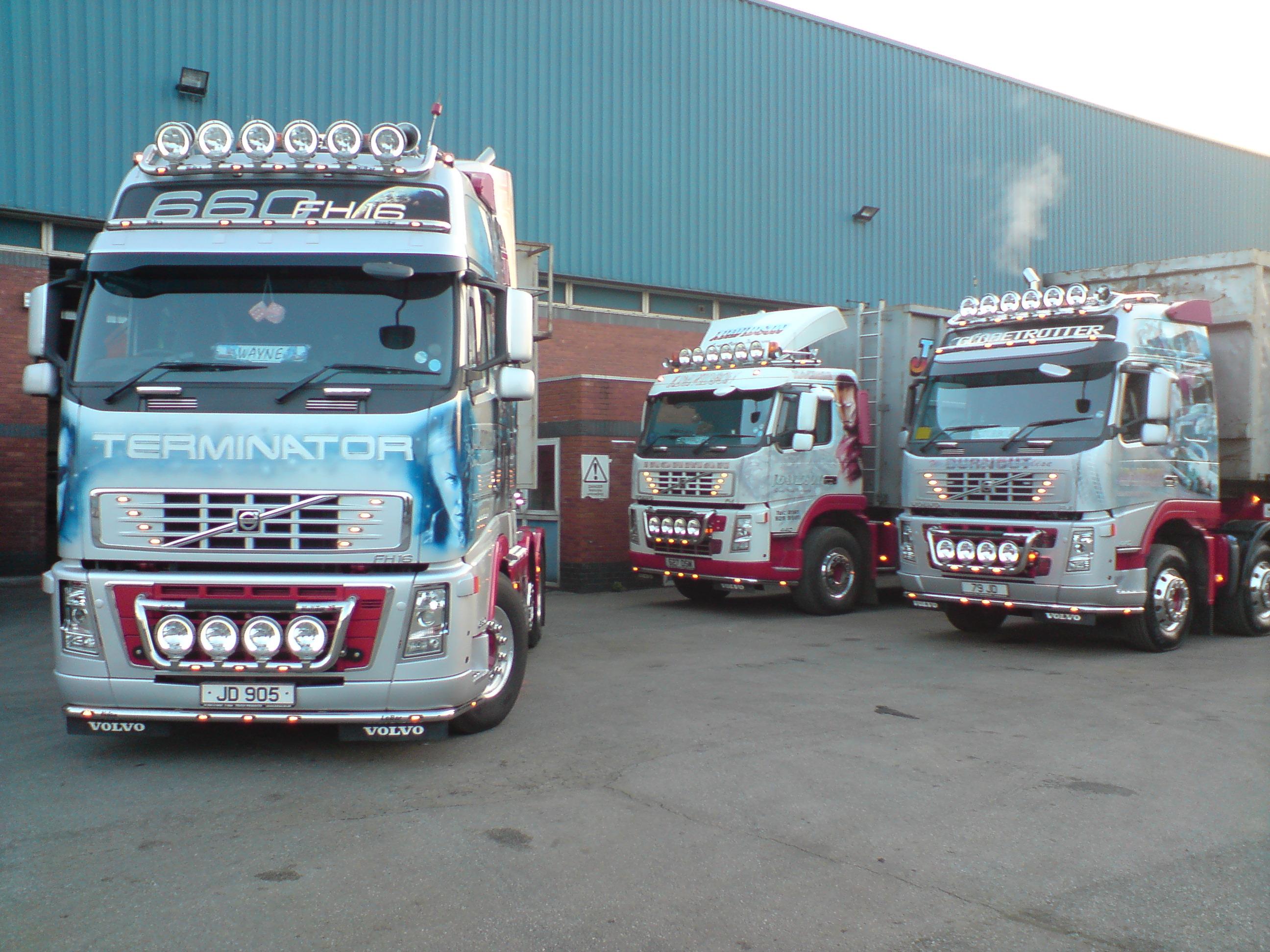 Davidson's trucks